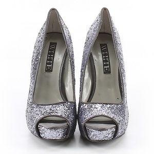 Vera Wang vintage peep toe heels